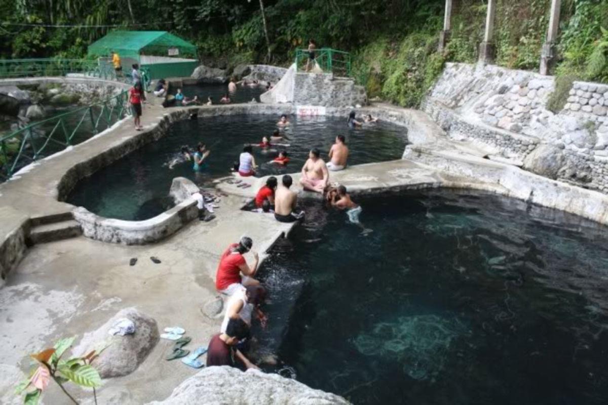 Mini Hydro Spring Resort at Pacol, Naga City (Photo courtesy of http://2.bp.blogspot.com/)