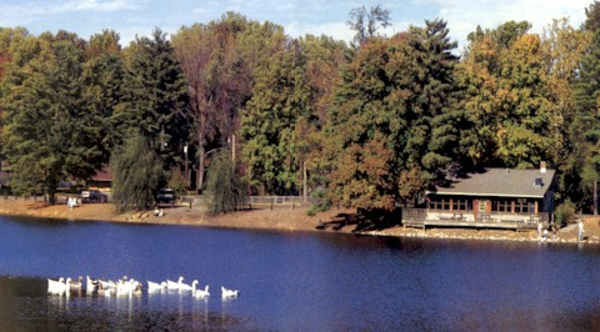 Lake at Burdette Park from vanderburghgov.org