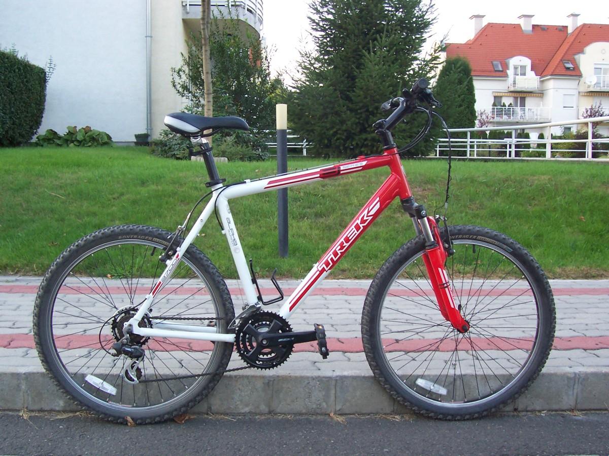 2009 Trek 3700 hardtail mountain bike (CC-BY-SA-2.0).