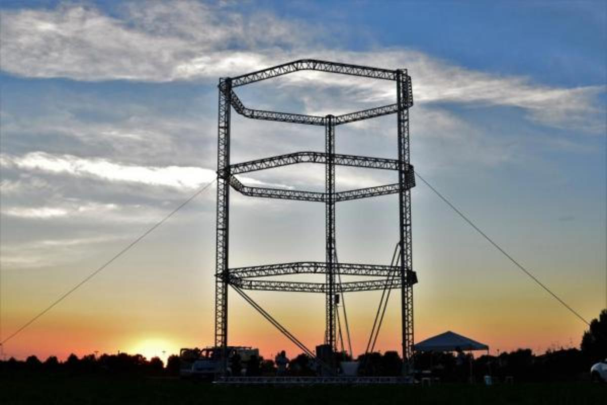 Italian company WASP (World's Advanced Saving Project) has revealed what it claims is the largest 3D printer in the world. Standing 12m tall, BigDelta has been designed to build low-cost disaster-relief  huts out of clay.