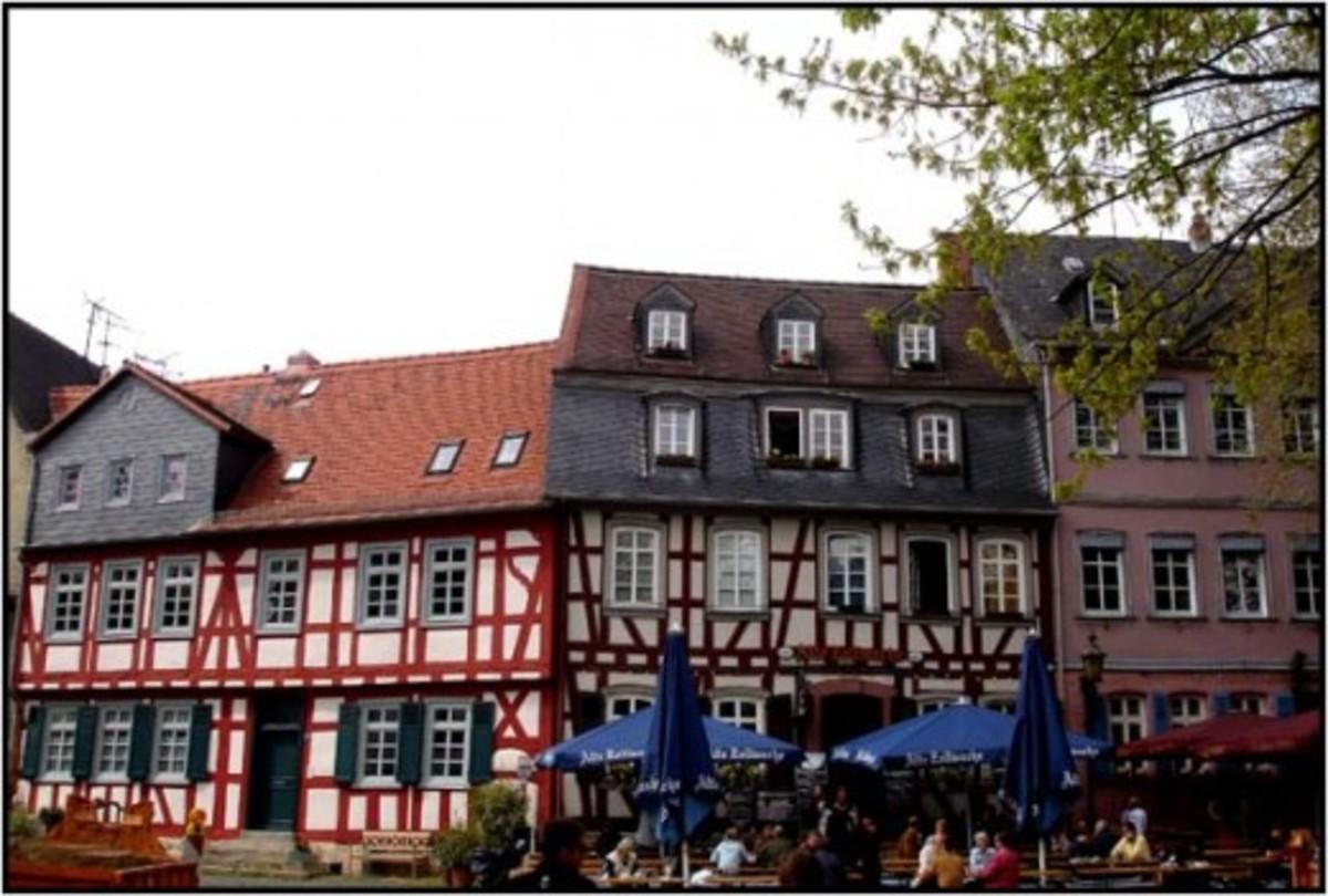 Authentic architecture in Hochst