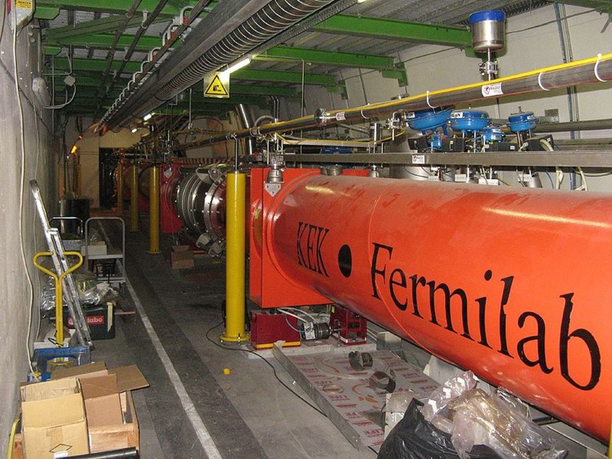 Large Hadron Collider quadrupole magnets