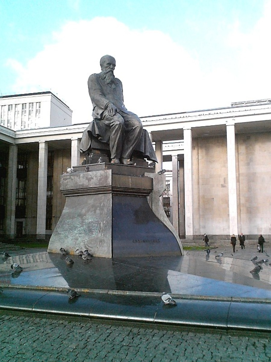 Dostoyevsky statue at the Moscow library, posted by Vladimir OKC