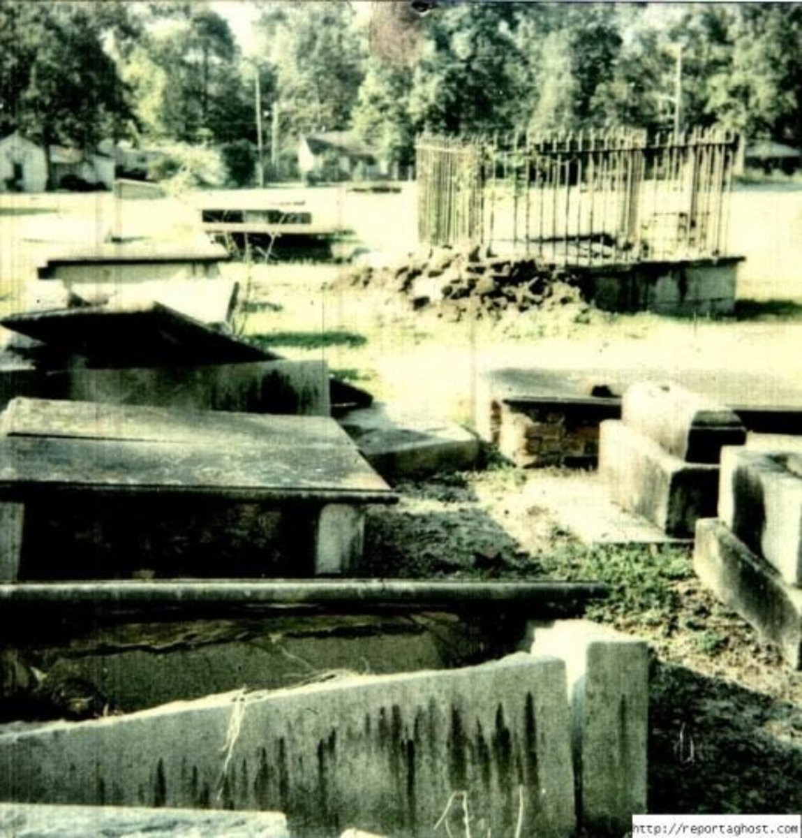 Here is a great photo of part of the cemetery on Boundary Street in Newberry S.C.