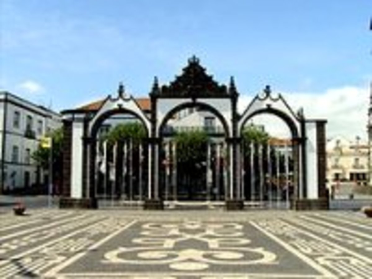 This historic entrance to Ponta Delgada harkens back to the days of European colonialism.