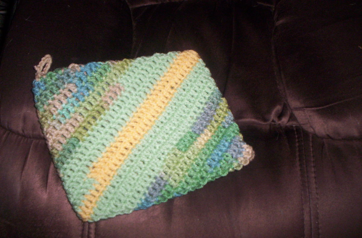 Here is the finished product.  Simple to make.  Great way to use scraps of yarn left from other projects.