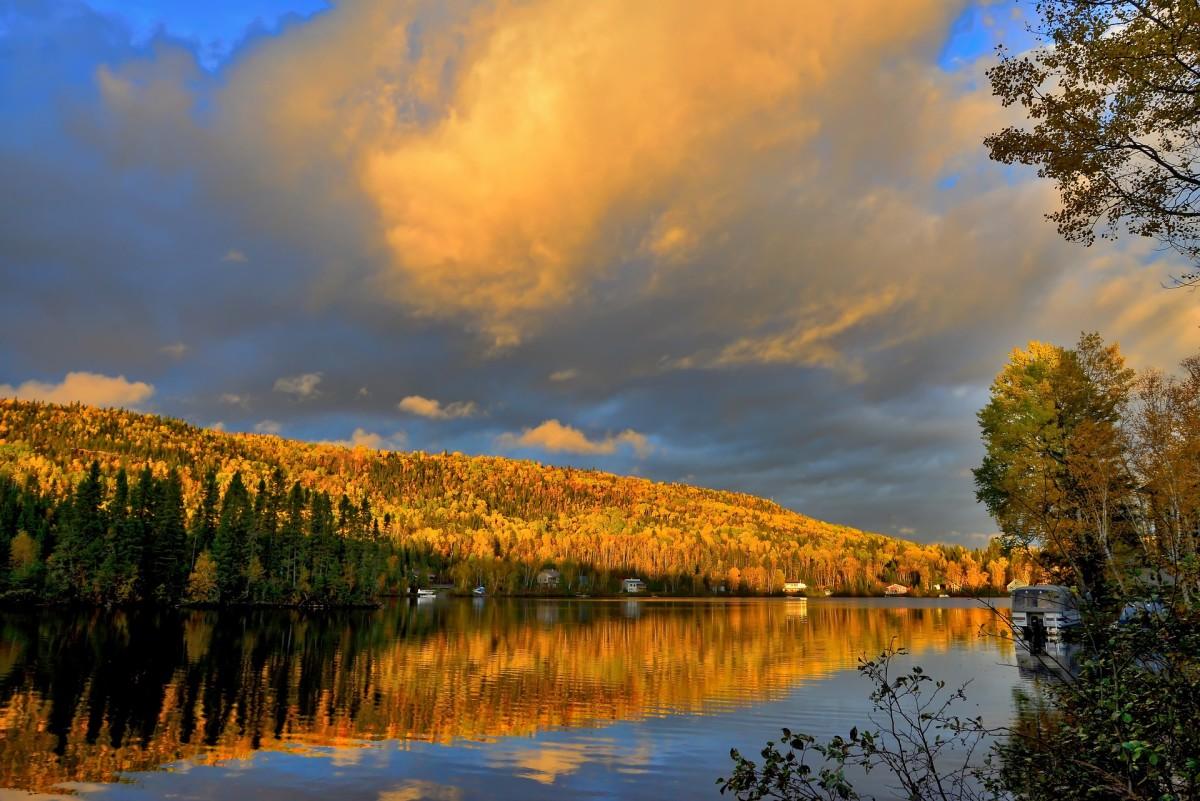 See autumn mirrored.