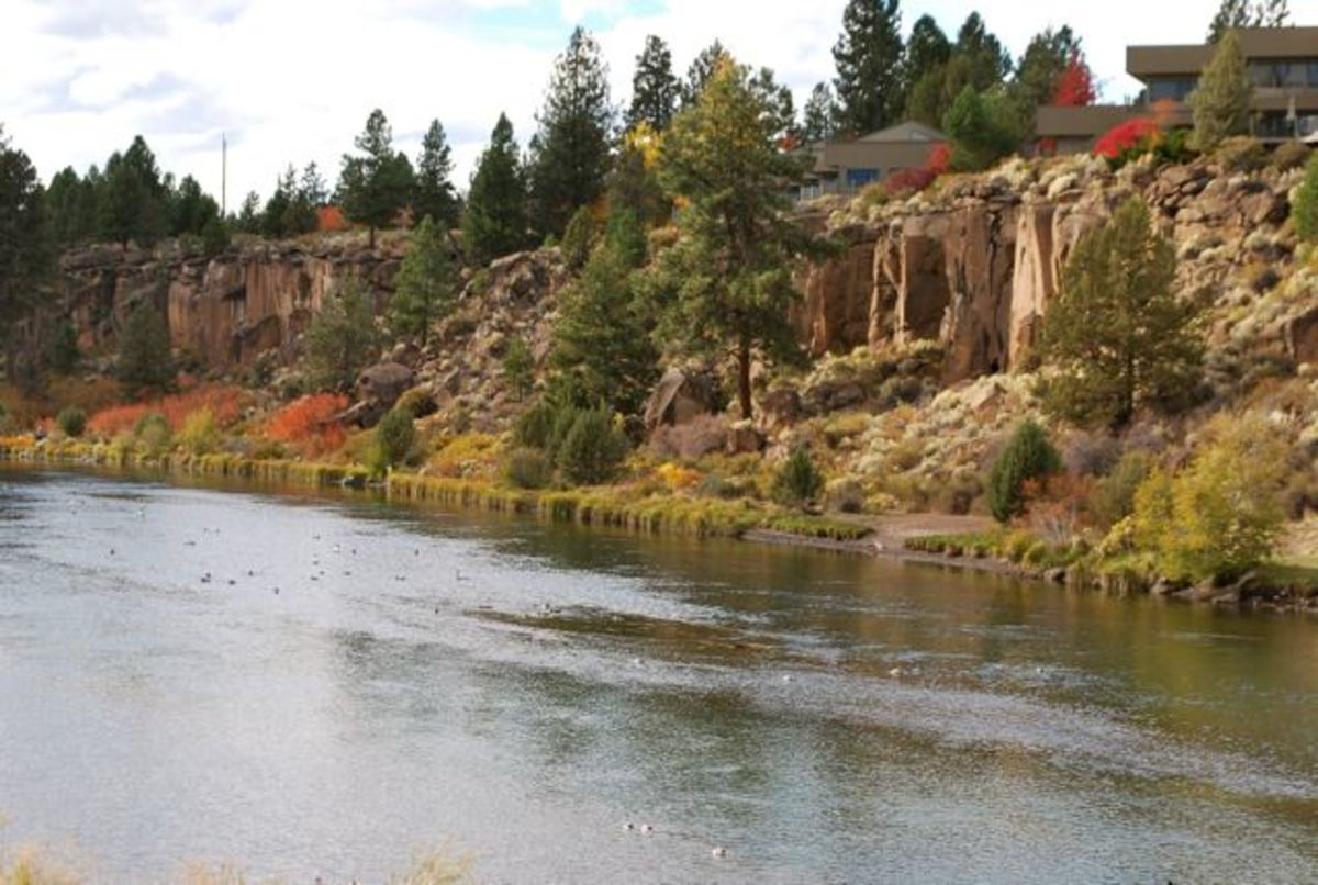 The combination of fall colors, rock formations and the Deschutes River is pleasant