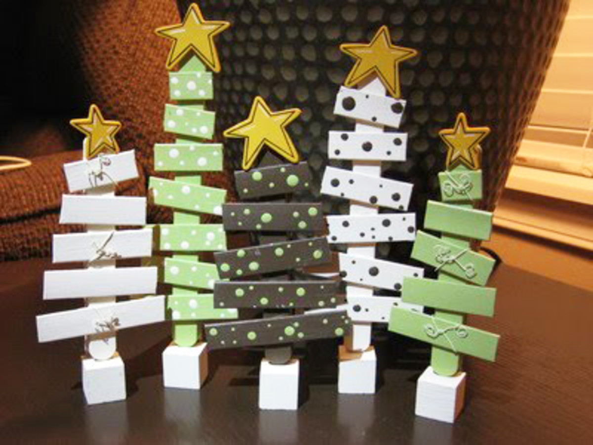 How to make cheap easy christmas decorations with for Christmas projects with popsicle sticks
