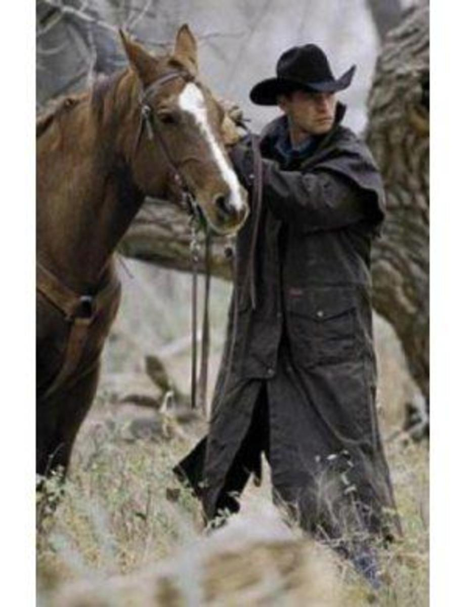 Waterproof and wind-resistant oilskin duster by Outback Trading