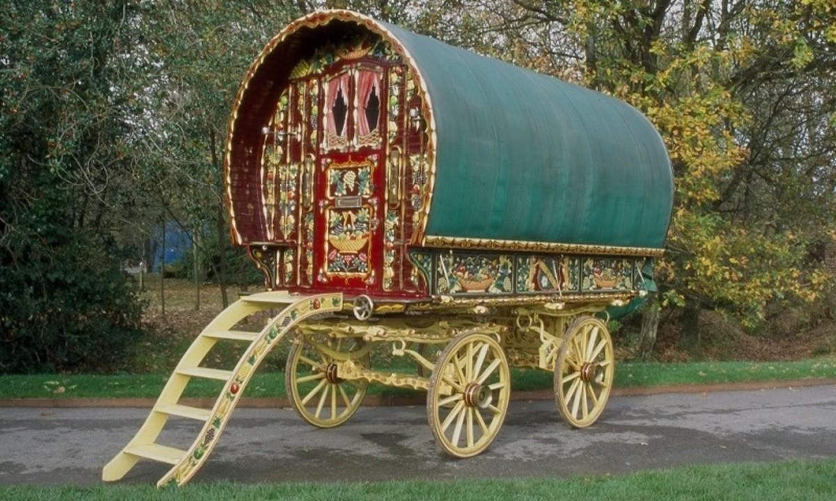 gypsy wagon Vardo caravan