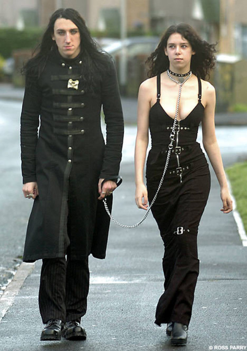 Tasha Maltby, Goth pet to her boyfriend Dani Graves.