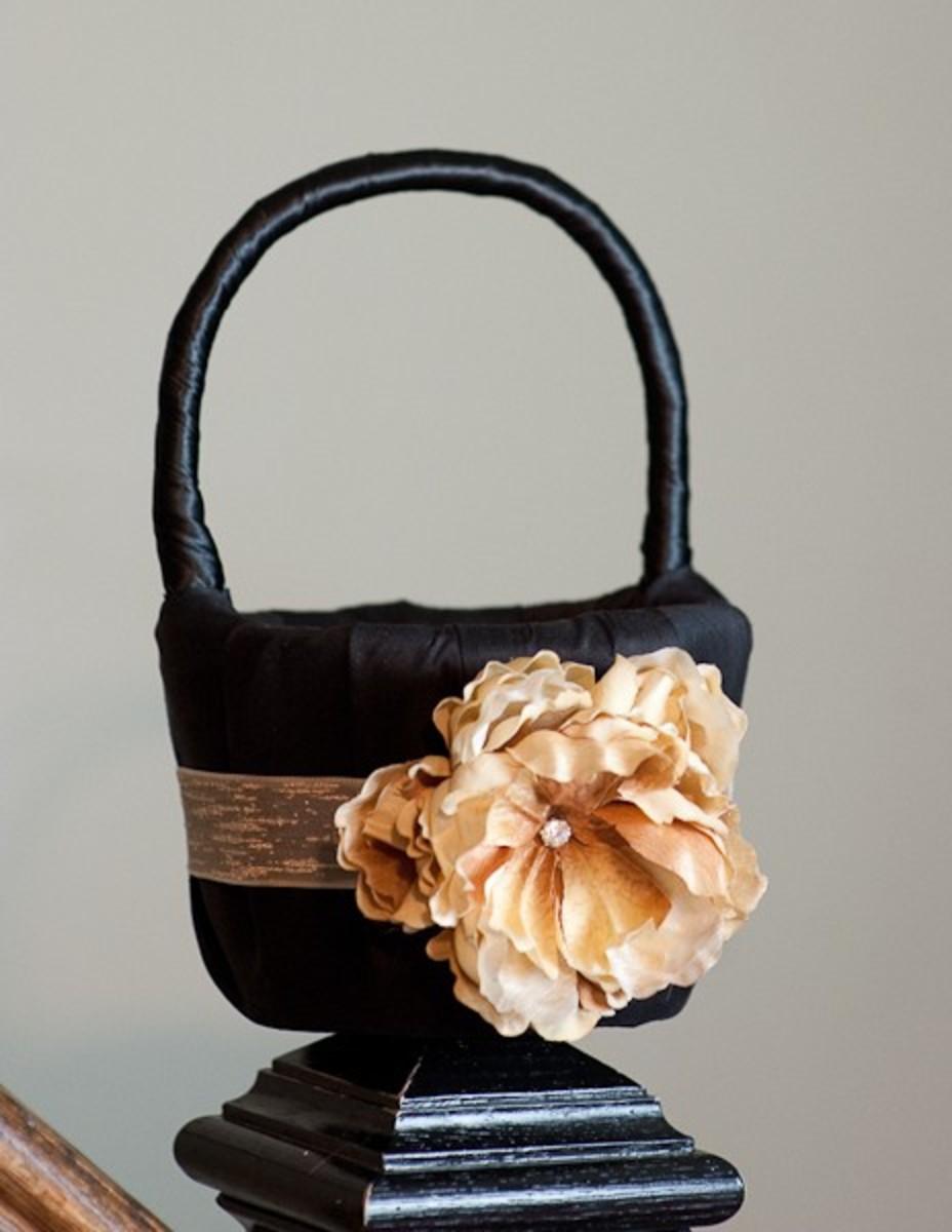Gorgeous flower girl basket - perfect for an elegant wedding.