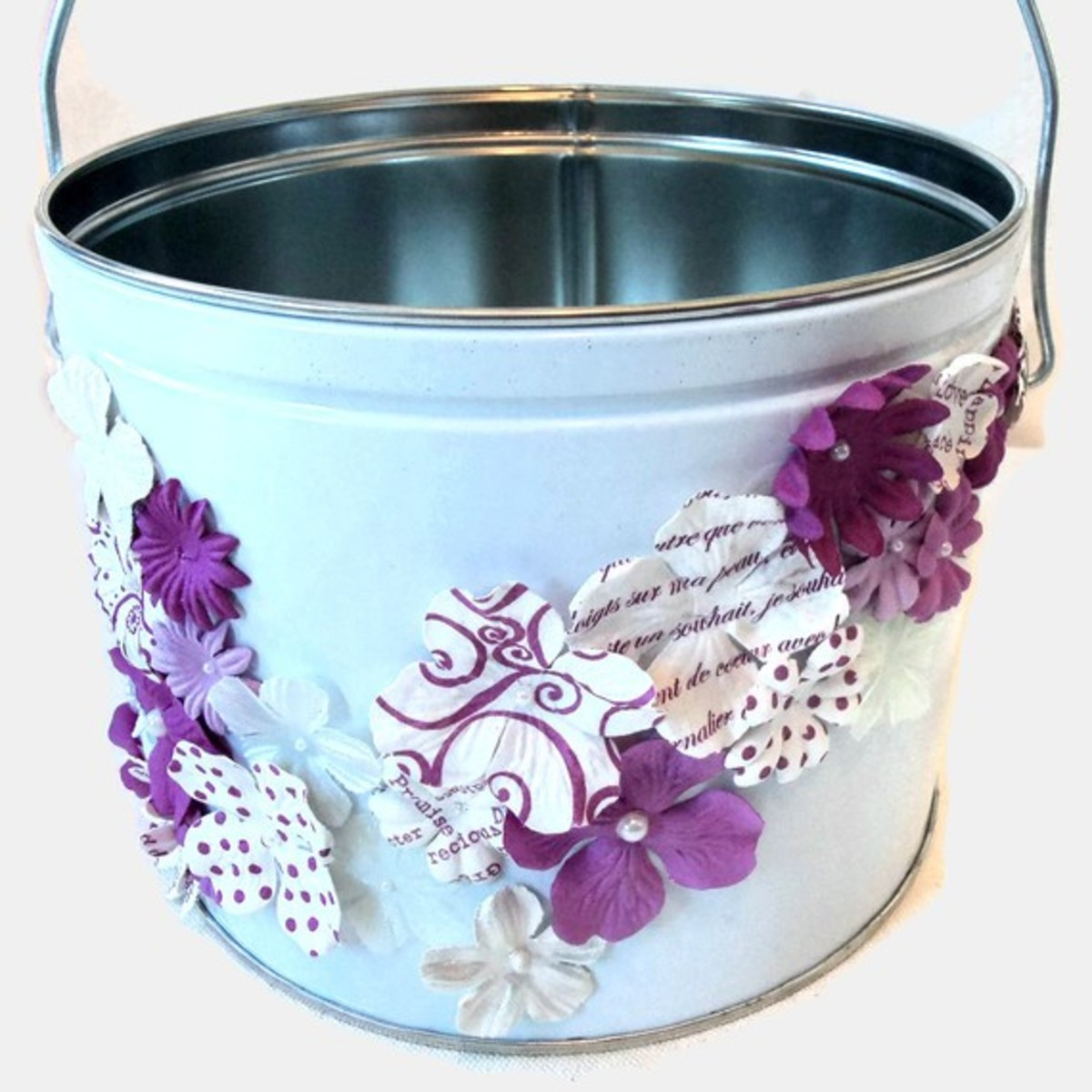 Down-home flower girl bucket...would look great for a barn-themed wedding