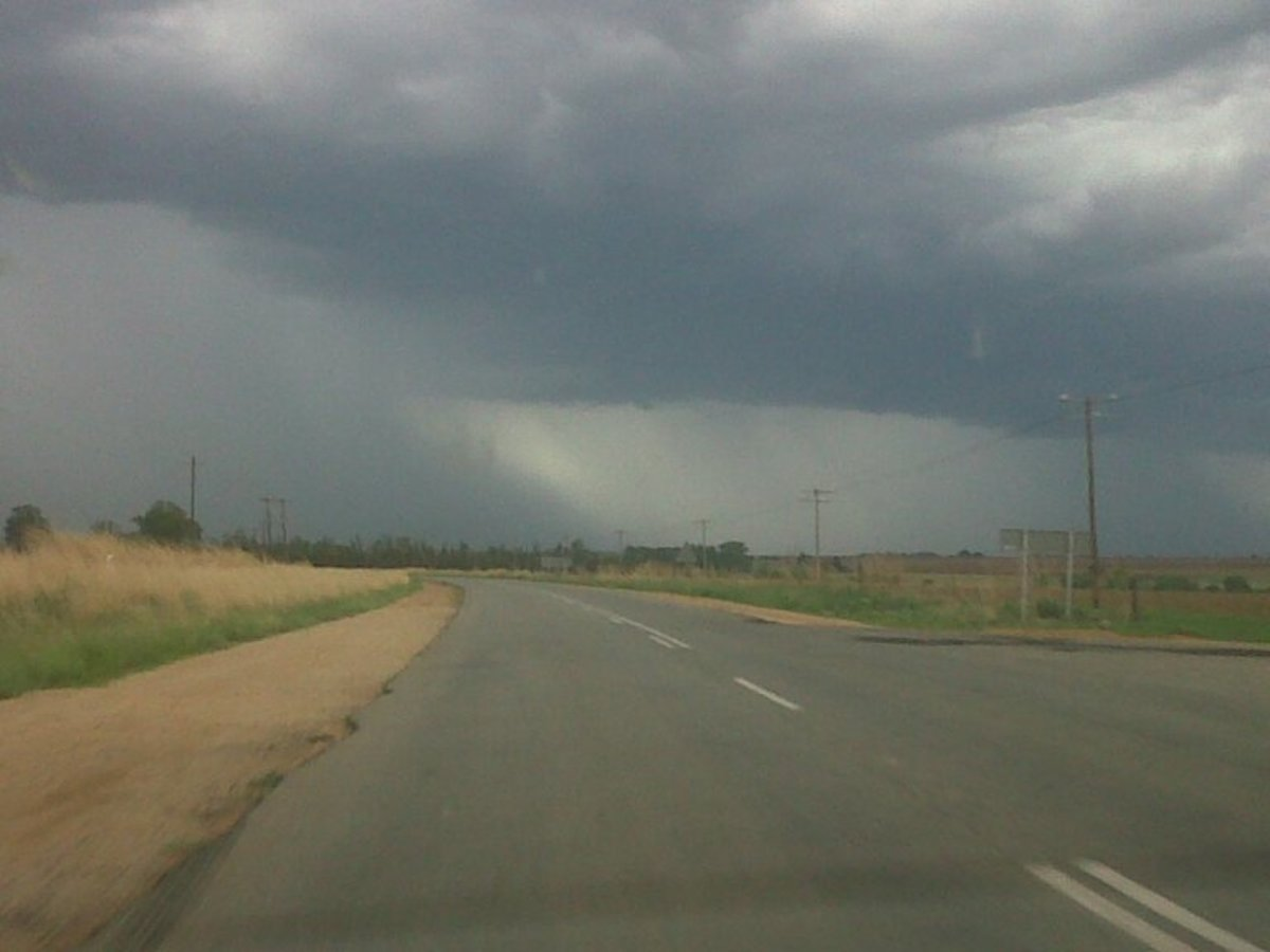 Road between Ventersdorp and Klerksdorp!