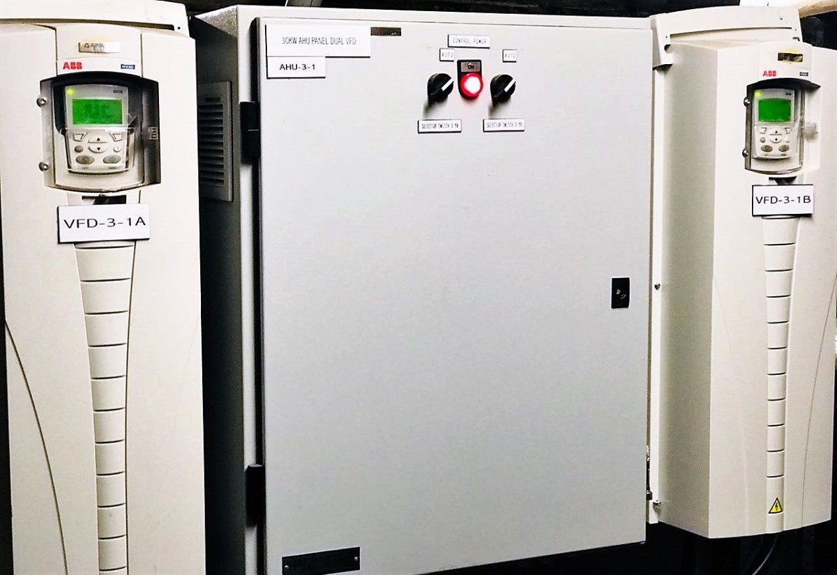 This dual VFD arrangement uses alternating VFDs on hourly basis and allows the other to cool down during rest cycle, thereby squeezing extra energy savings out of them, other then reducing motor hertz.