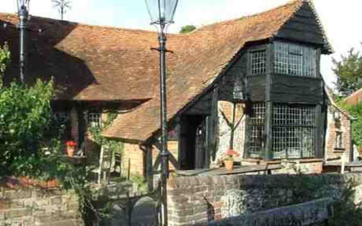 pubs-inns-and-taverns-a-british-institution