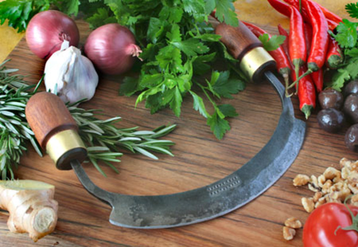 Mezzaluna Blade and Vegetables