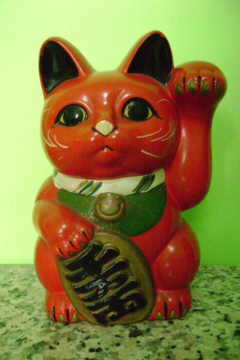 Red Maneki Neko