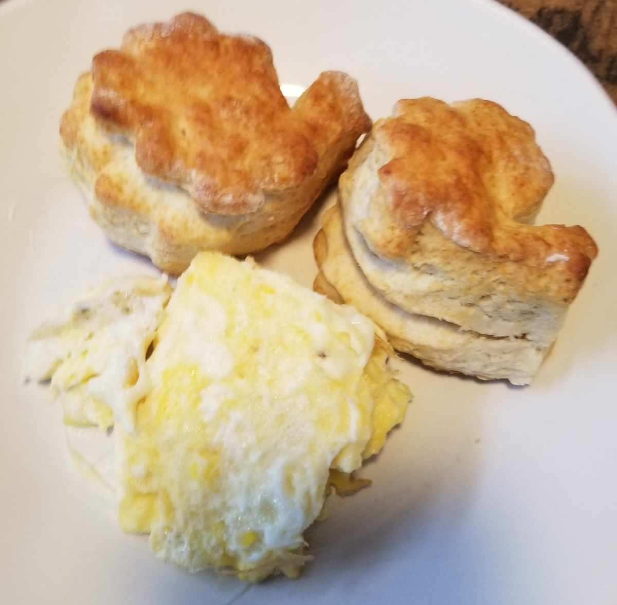 These turkey-shaped biscuits look yummy paired with eggs. You can put them in a pretty basket on your Thanksgiving table too.