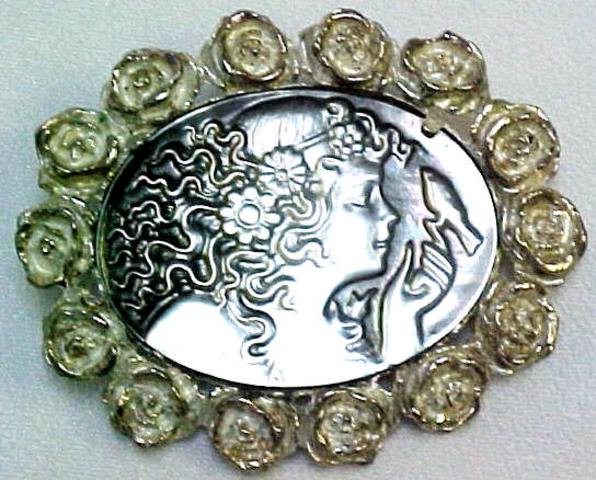 Mother of Pearl Cameo