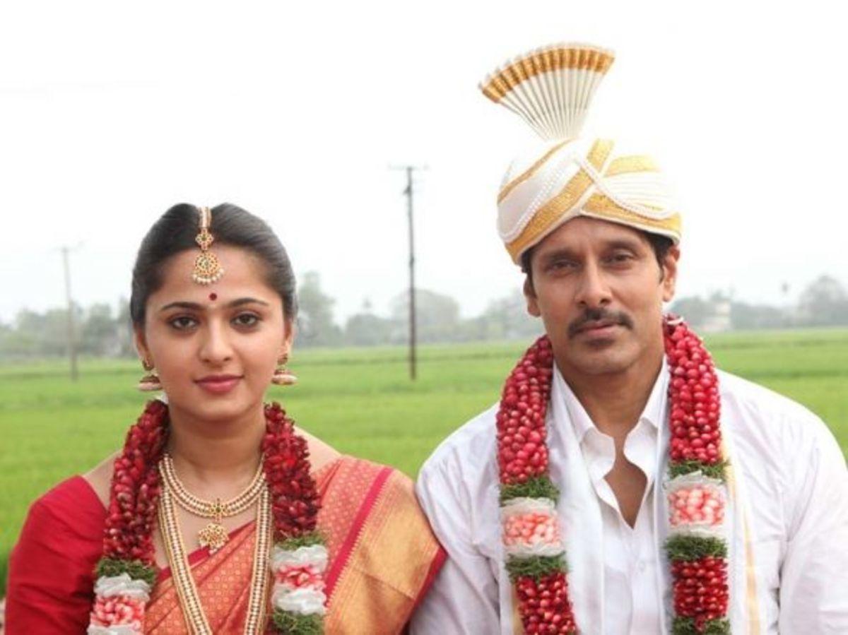 Thaandavam Movie review