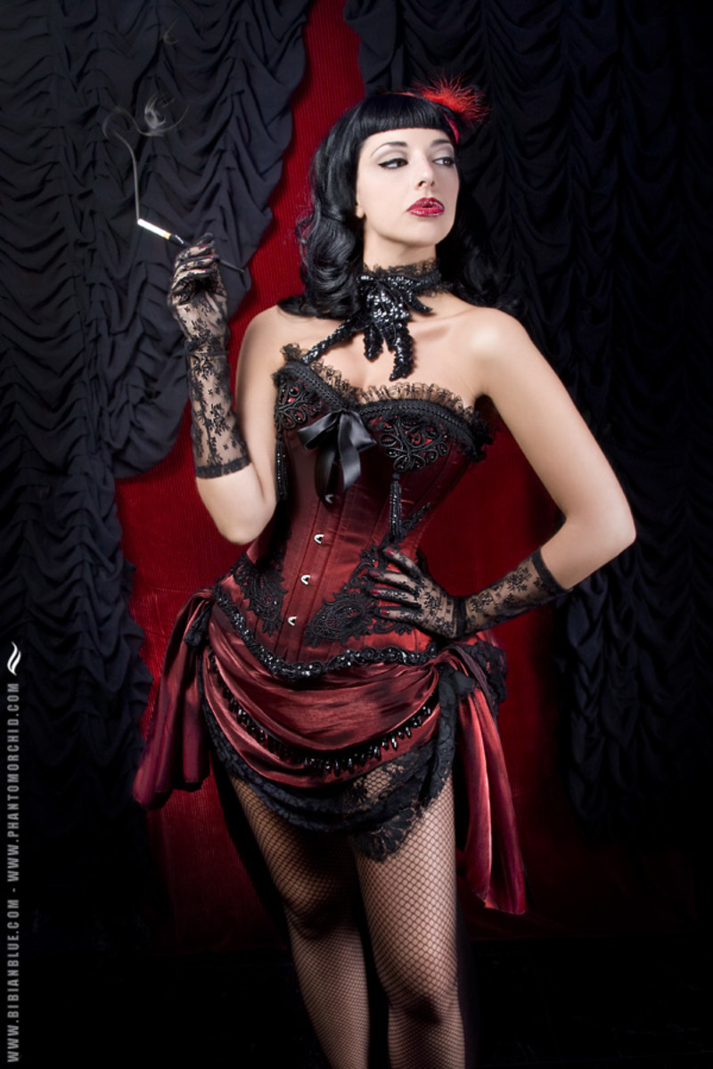 Burlesque with a Wild West Saloon Theme