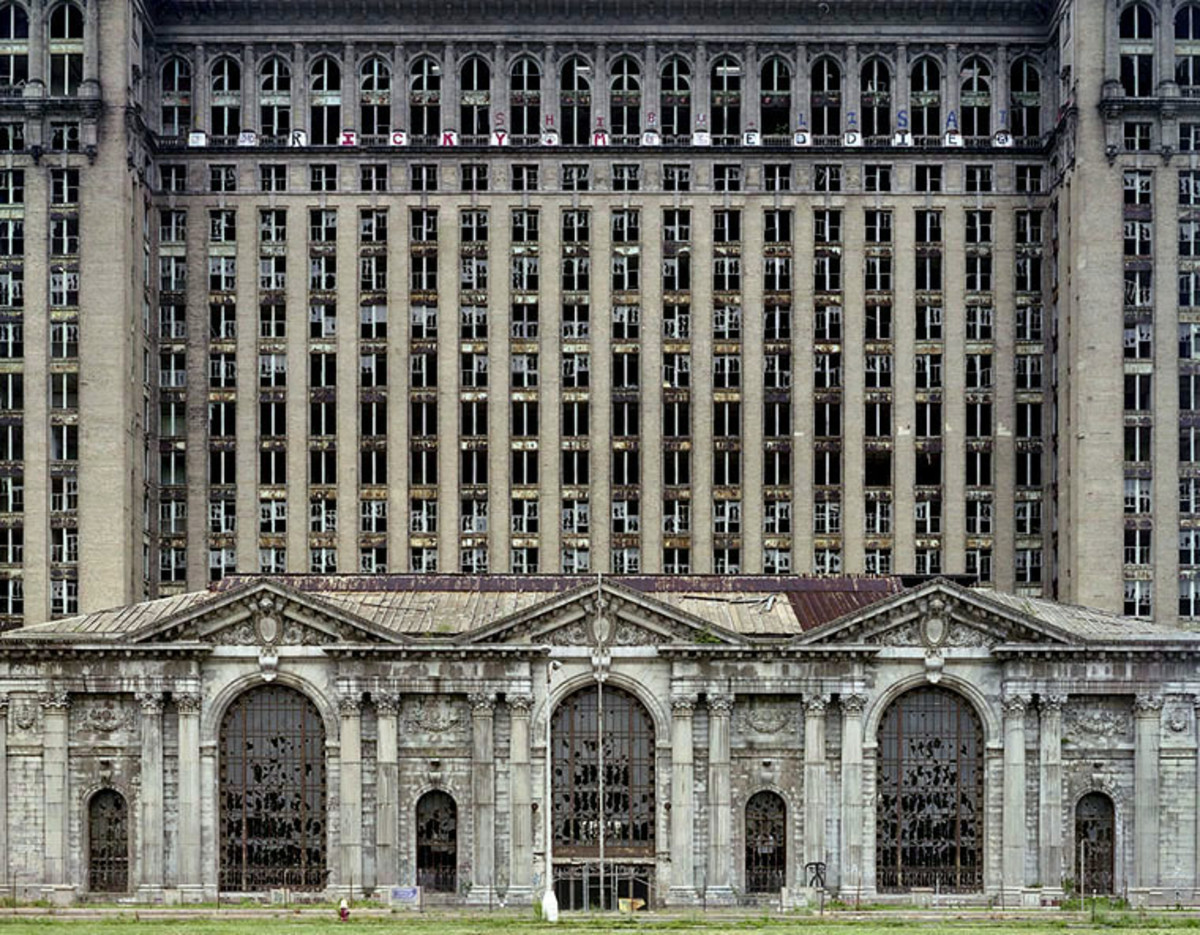 The Ruins of Detroit - A Forgotten City
