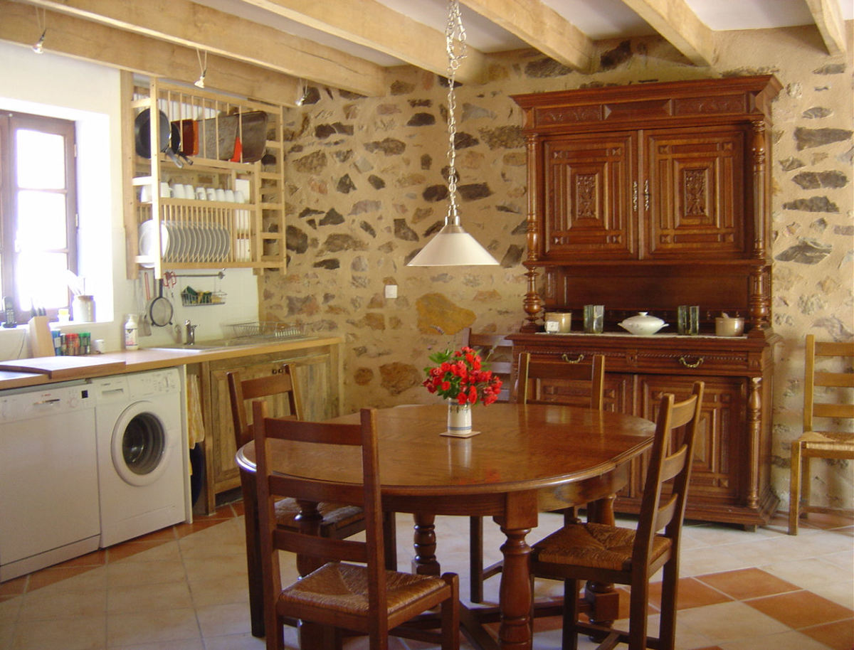 Three star gite with three bedrooms and large, enclosed garden. Sleeps 7 adults.
