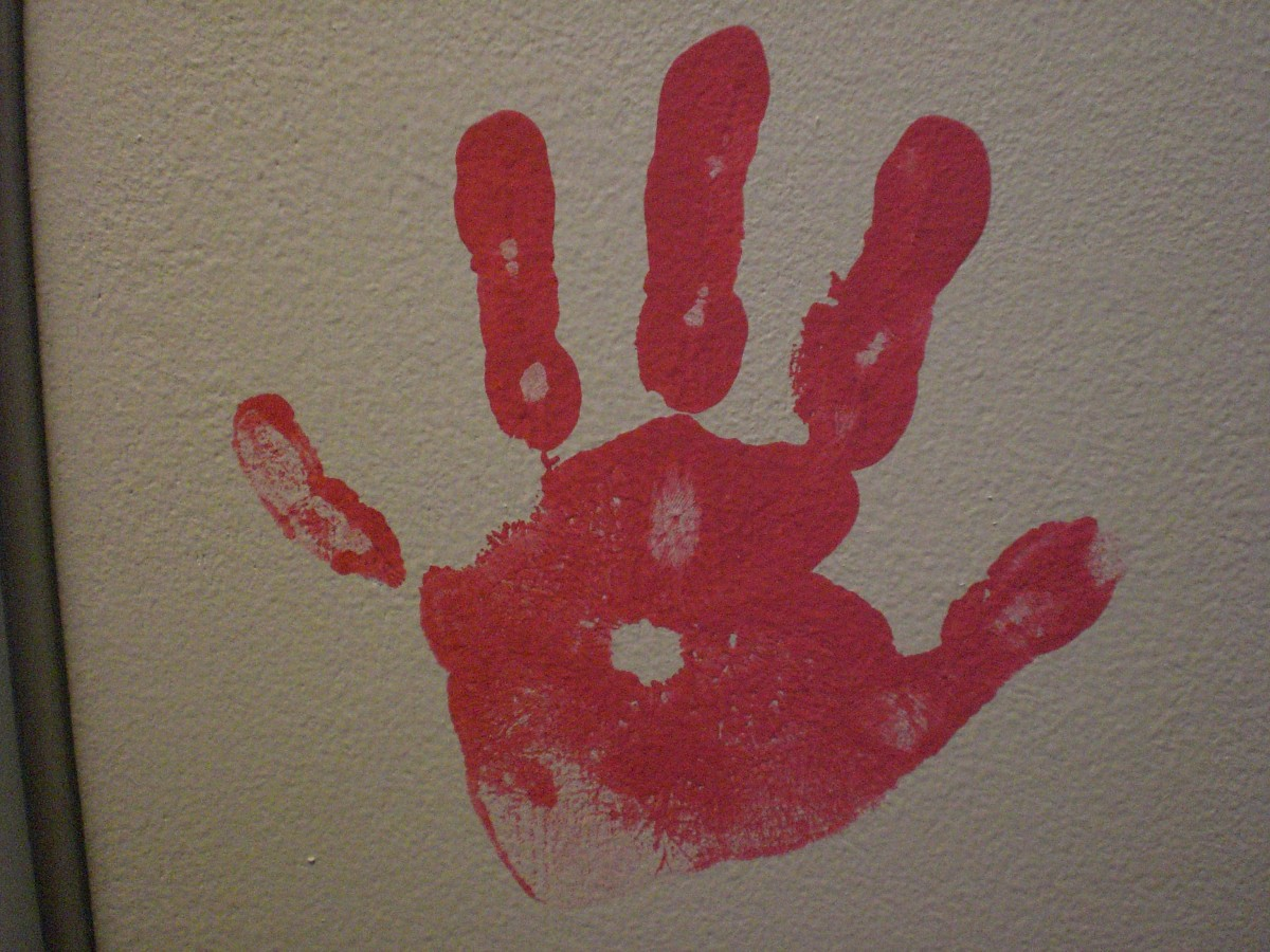 My step daughter's hand print... notice the curvature of her pinky