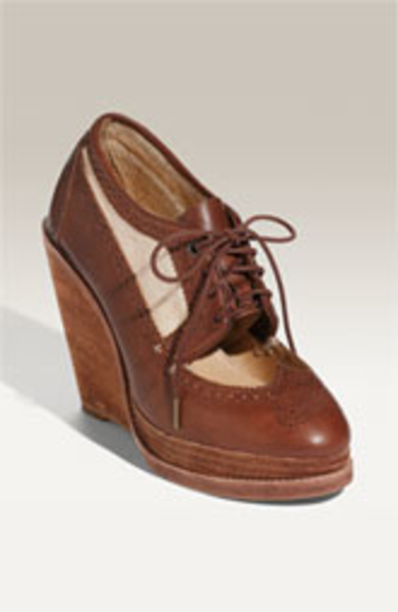 Modern Oxford with wedge heel