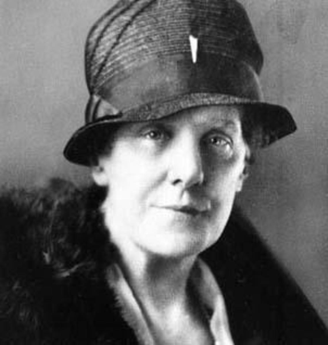 Anna Jarvis,  recognised as the Founder of Mothers Day in US. - When is Mothers Day?