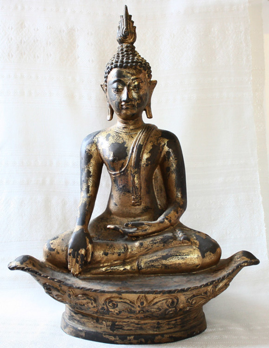 Sukhothai Style Bronze Buddha 24ct Gold Gild, Thailand, Bhumisparsa Mudra - the Buddha touches the ground to bear witness to his full liberation from delusion