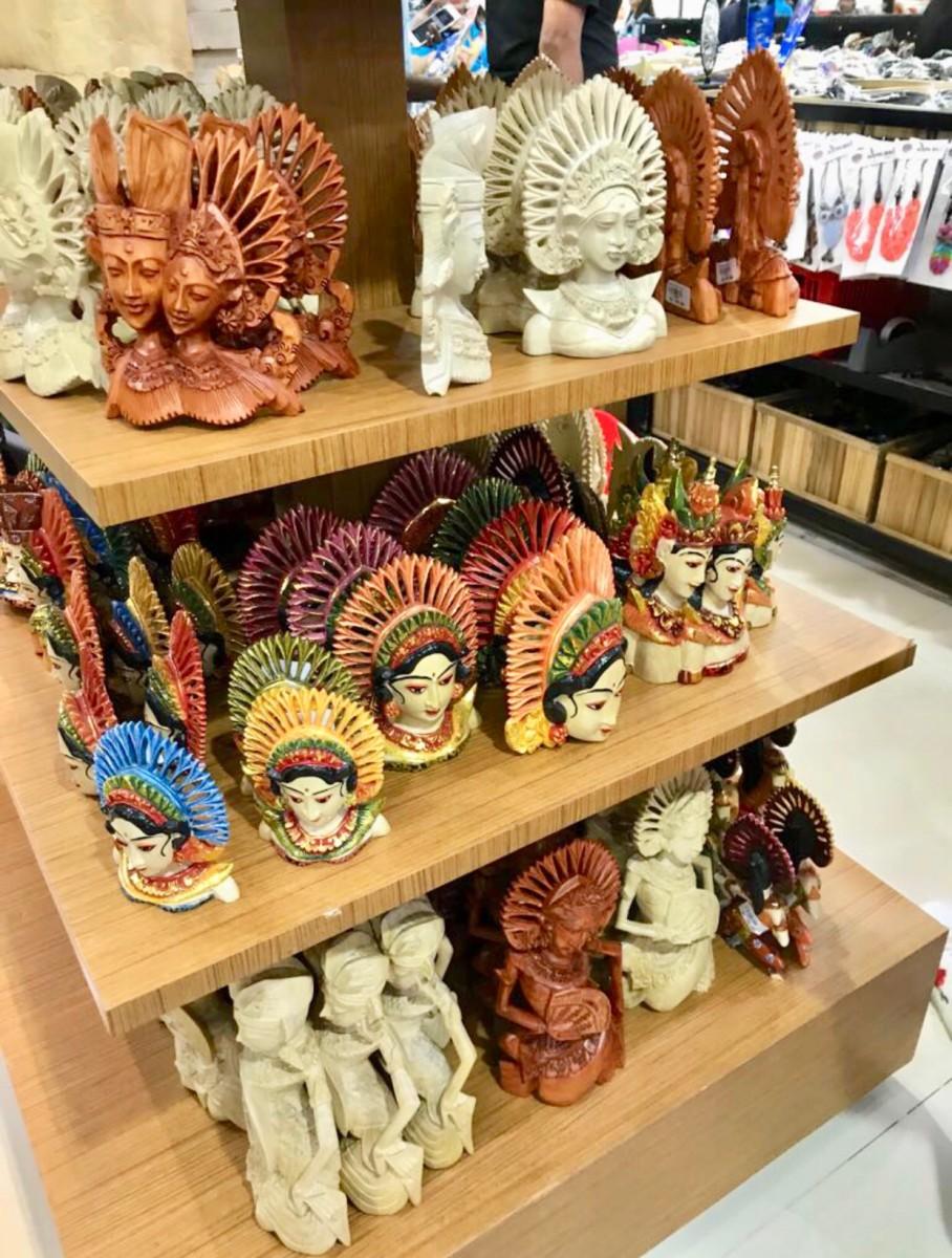 Decor Items at Bintang Supermarket © Copyright Kalpana Iyer