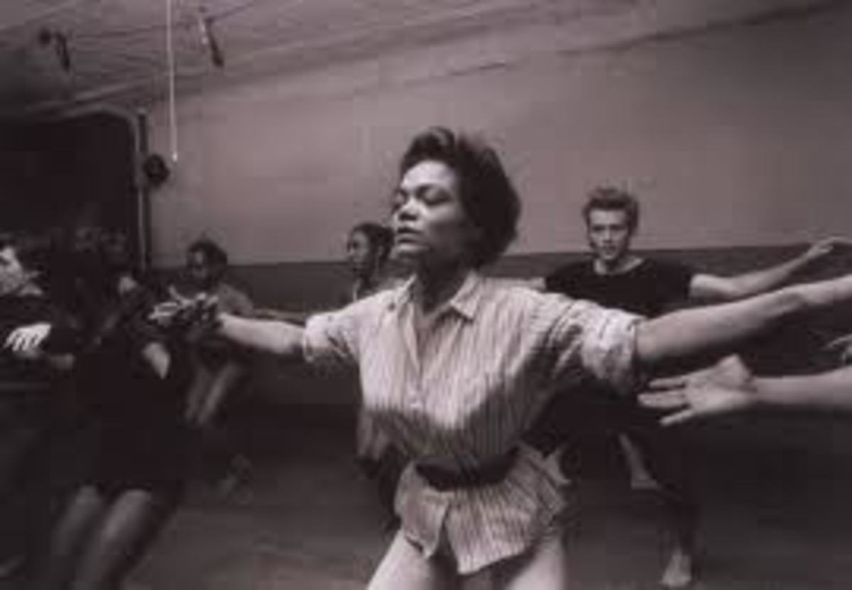 Eartha Kitt is leading the modern dance class.  I'm behind her to the right.