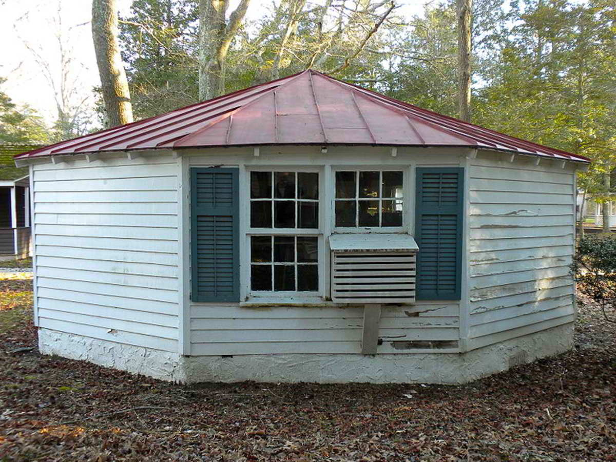 Octagonal Poultry House in Cold Spring, NJ.
