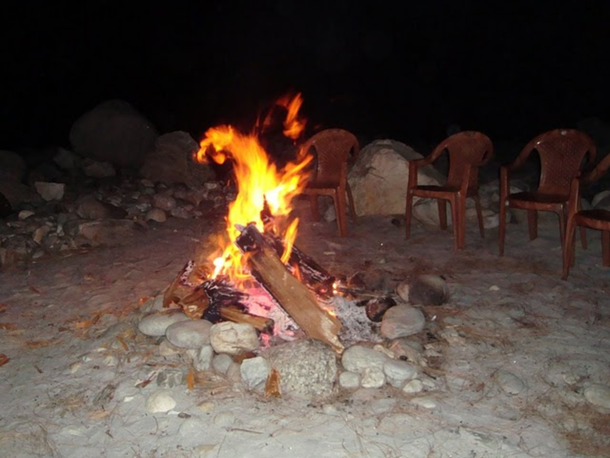 Bonefire at Mori Uttaranchal Camp Site
