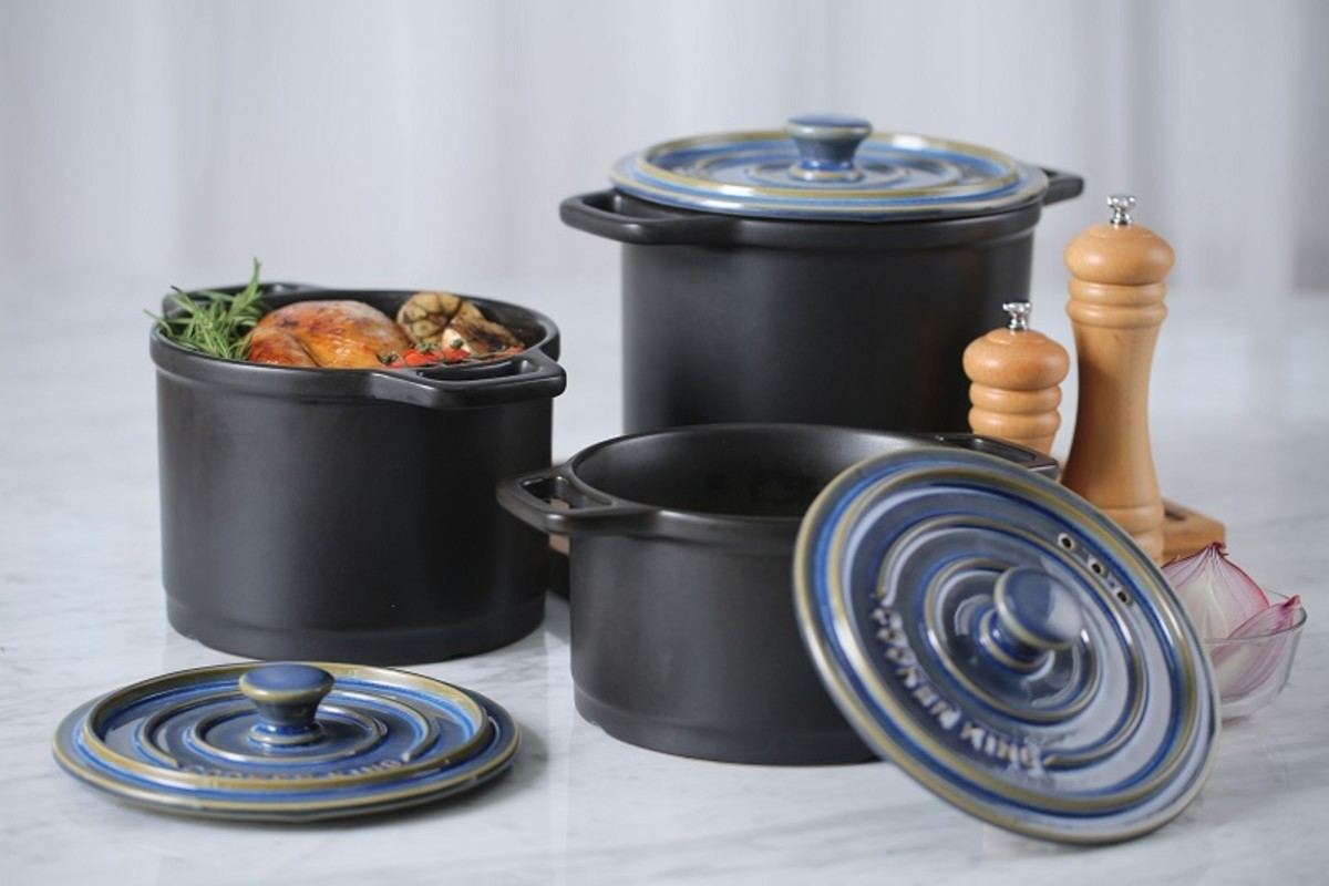 Some lidded cooking pots can be used in the oven or on the hob.