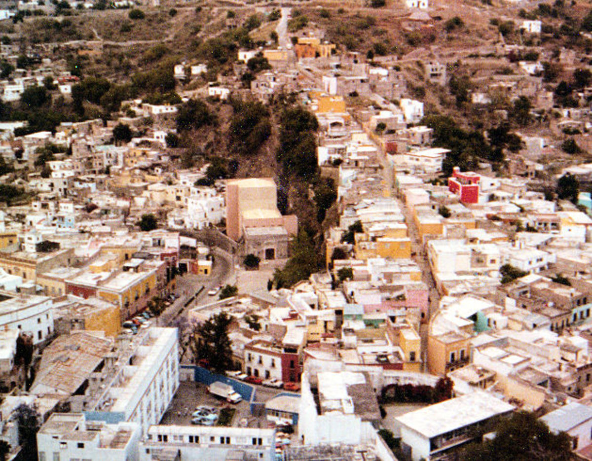Swimming in a volcano and other fun things to do in Guanajuato, Mexico!