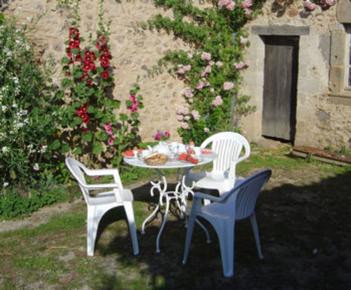 The courtyard at Les Trois Chenes, Vediex,  Limousin