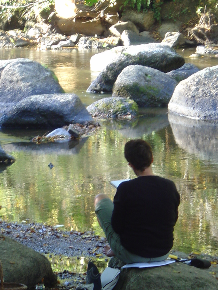 Student painting on the banks of the river Glane, Saint Junien. The porcelain factory La Vie en Rose is close by and we always pay a visit.