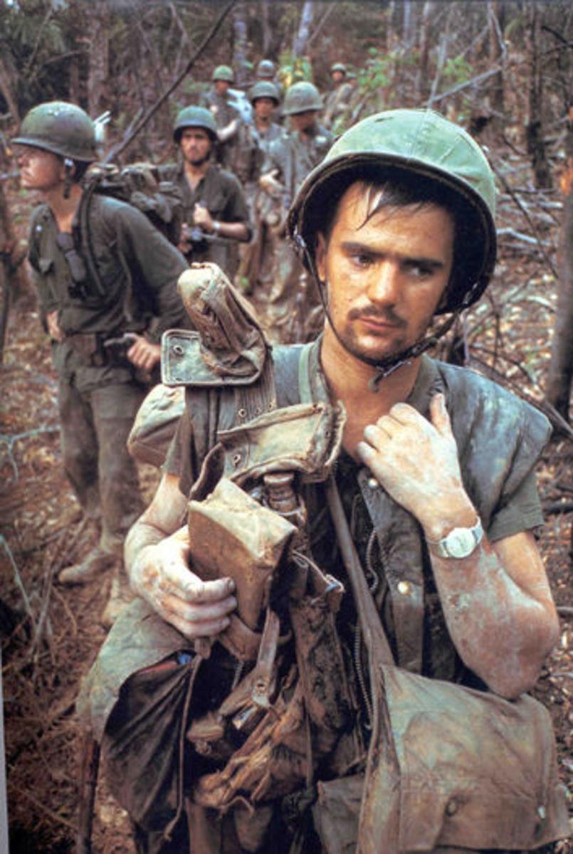 AMERICAN SOLDIERS IN VIETNAM WAR