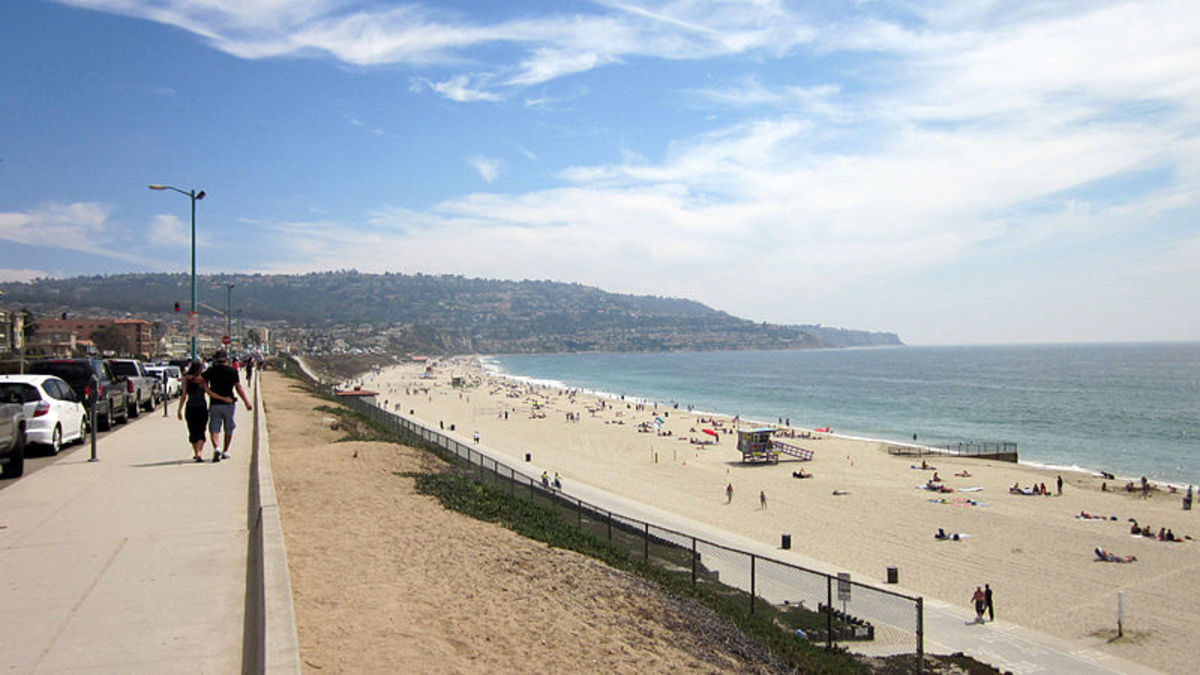 Beach in nearby Torrance, California, to the northwest of Rolling Hills Estates.