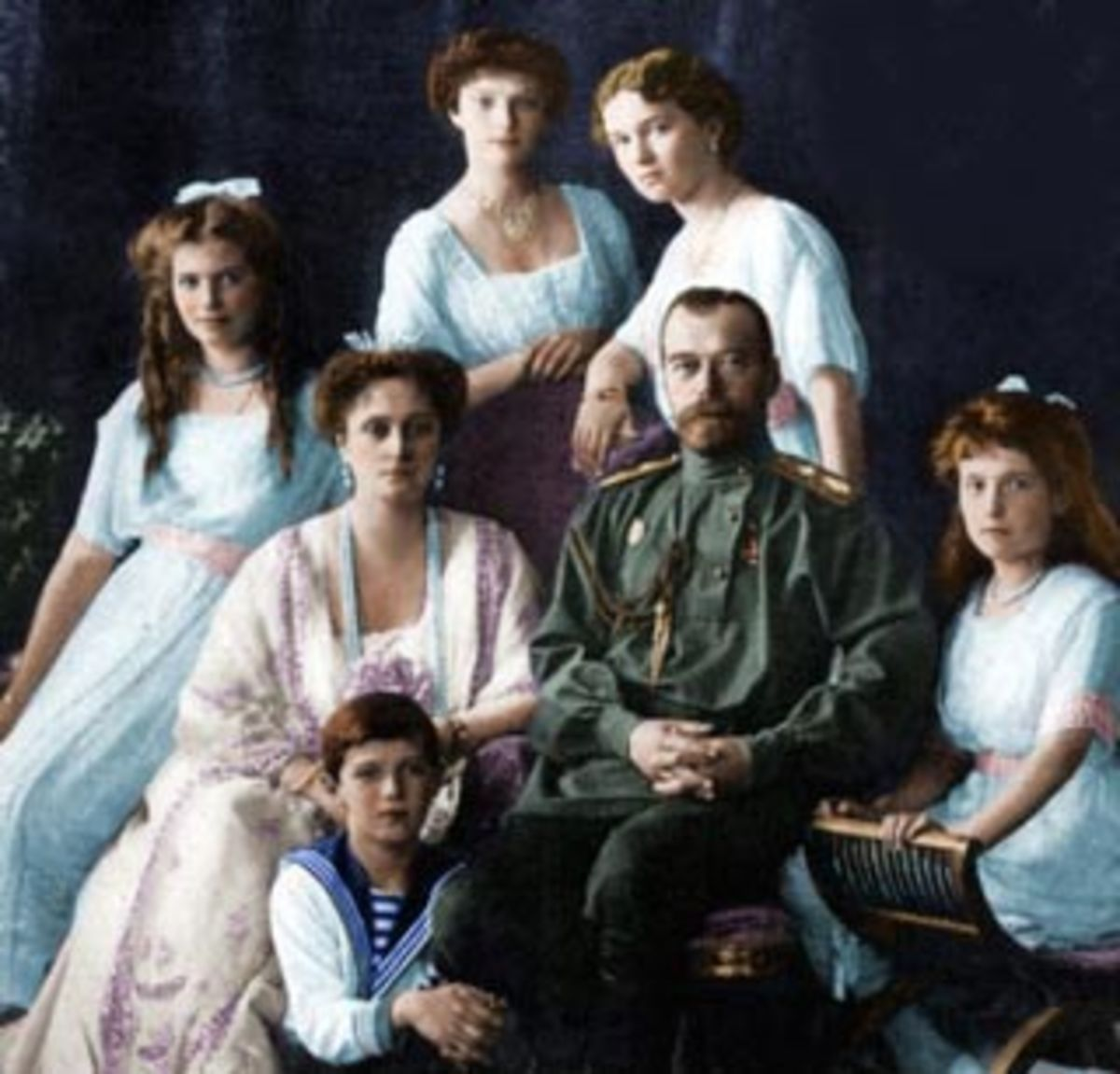 Tsar Nikolai, Tsarina Alexandra and their children Olga, Tatiana, Maria, Anastasia and Alexei