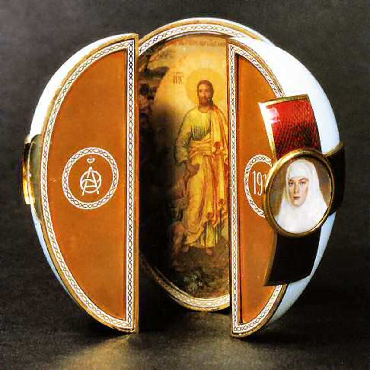The Red Cross Triptych Egg - 1915