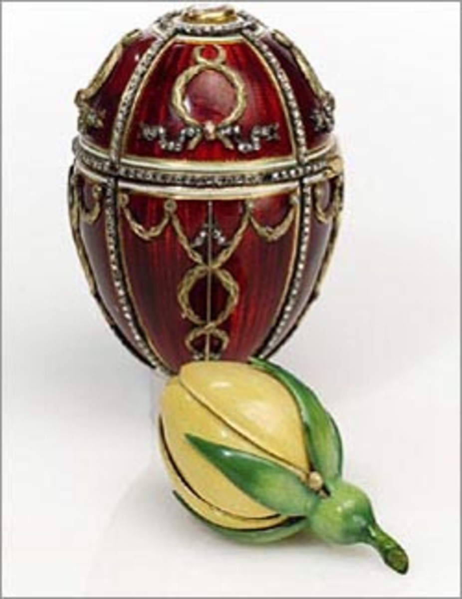 The Rosebud Egg (1895) - The first Egg given by Nikolai to Princess Alexandra