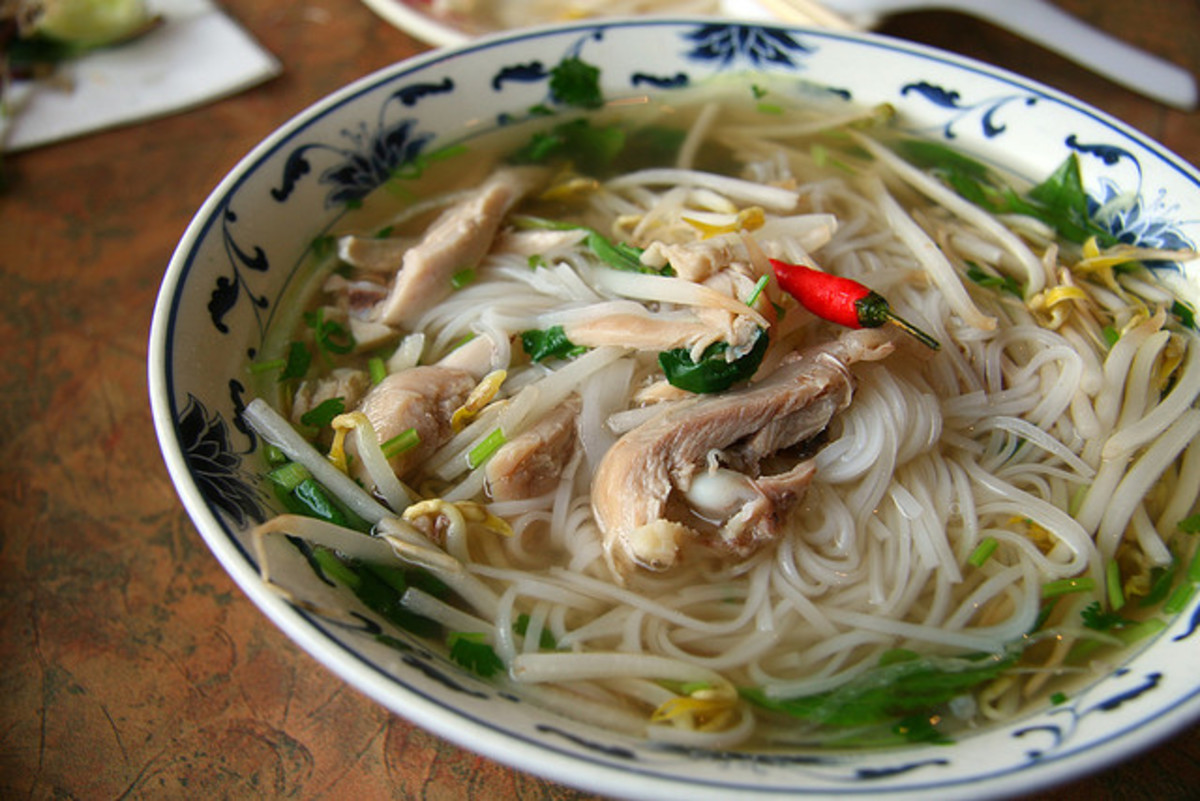 Easy and Quick Vietnamese Chicken Noodle Soup Recipe (Pho Ga)