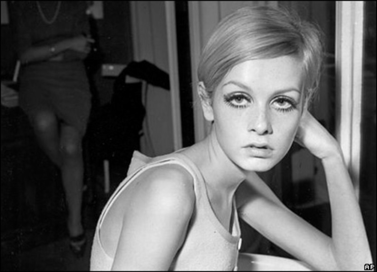 Twiggy wearing her trademark behind the ears boyish bob, cut by Leonard's hair salon in Mayfair in 1966