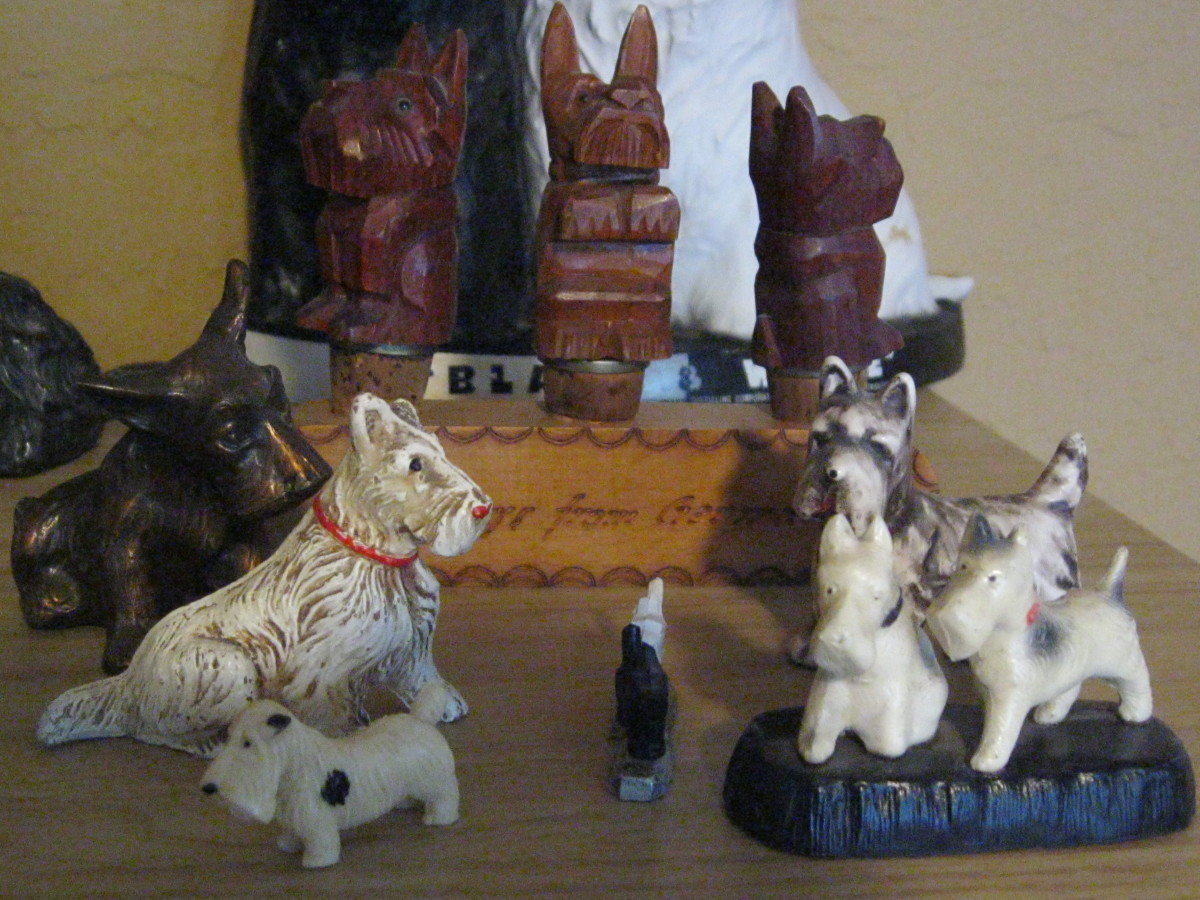 Note hand carved Scotty Dog wine bottle stoppers from Germany