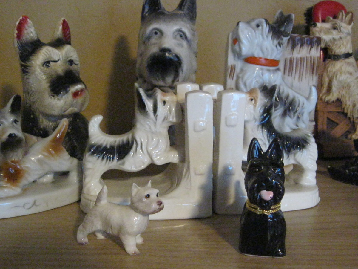 Chalkware, pottery, china Scotty Dogs